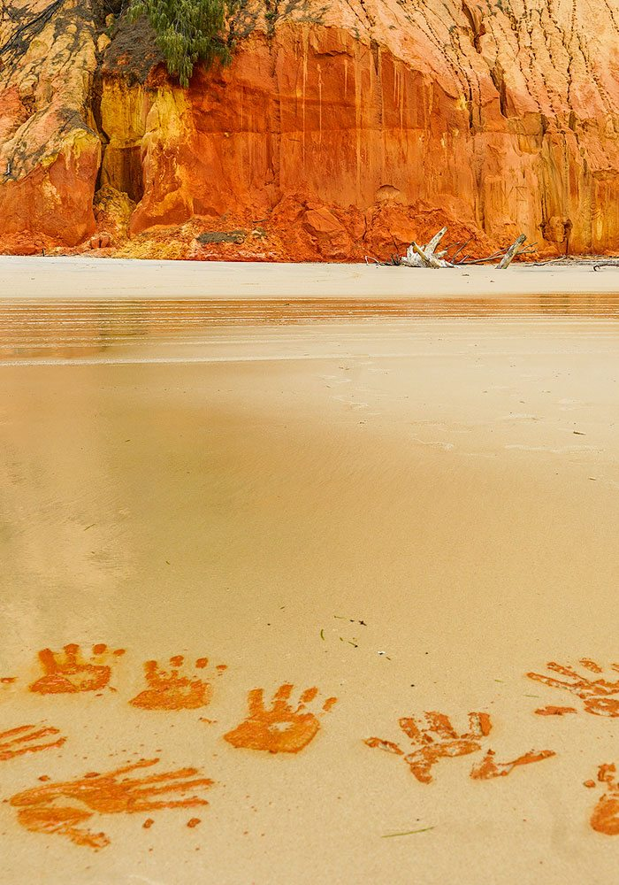 Rainbow Beach 4wd Tours to the Coloured Sands